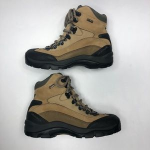 Vasque Shoes - Vasque Style 7197 Women's Gore-Tex Hiking Boots